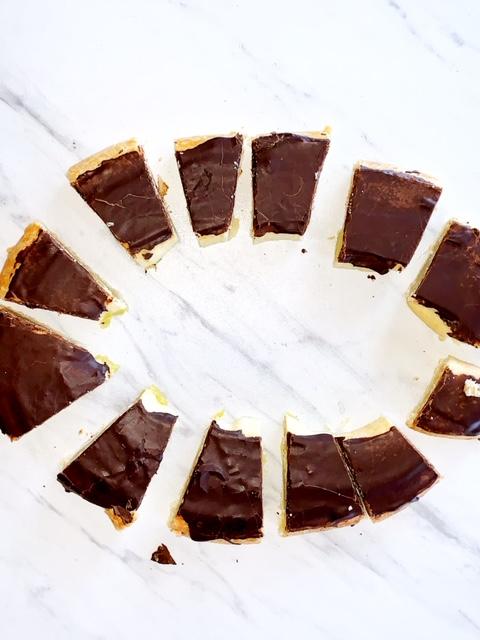 chocolate eclair danish kringle