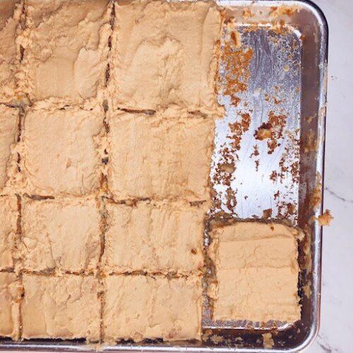 t vanilla sheet cake with pb icing