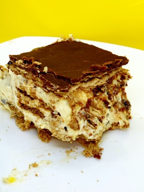 chocolate toffee eclair cake