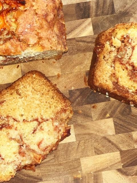 Cinnamon Apple amish bread