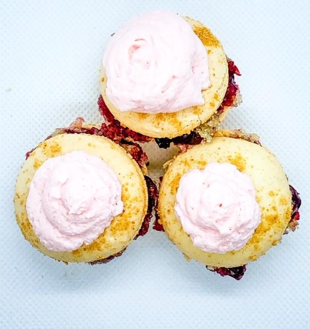 cherry cobbler macarons