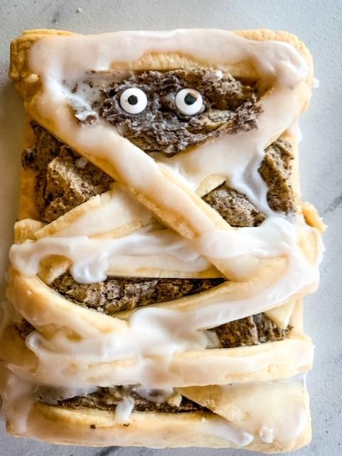 Spookalicious homemade mummy pop tart