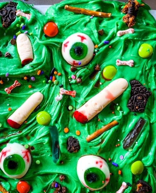 Halloween Hocus Pocus Candy Bark