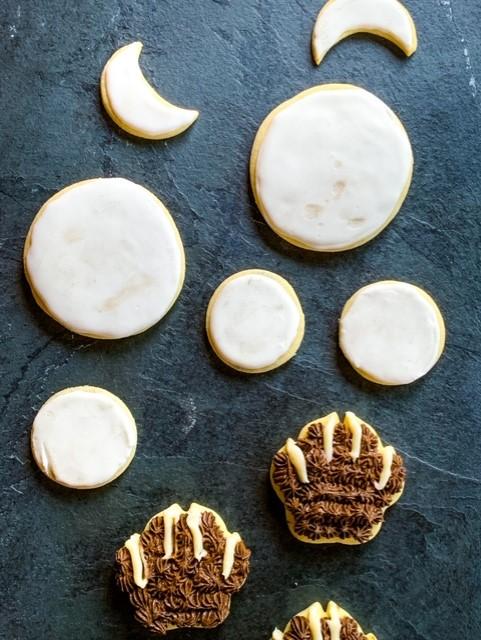Halloween Howl at the moon sugar cookies